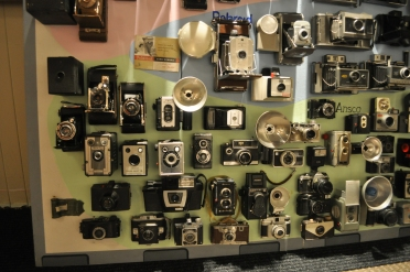 Mid-20th_century_cameras_-_Edmonds_Historical_Museum_02