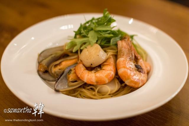 Italian Cuisine - Seafood Aglio Olio-5814
